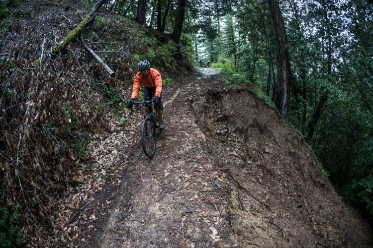 Fox AX Adventure Cross Fork test ride. photo: Connor Macleod