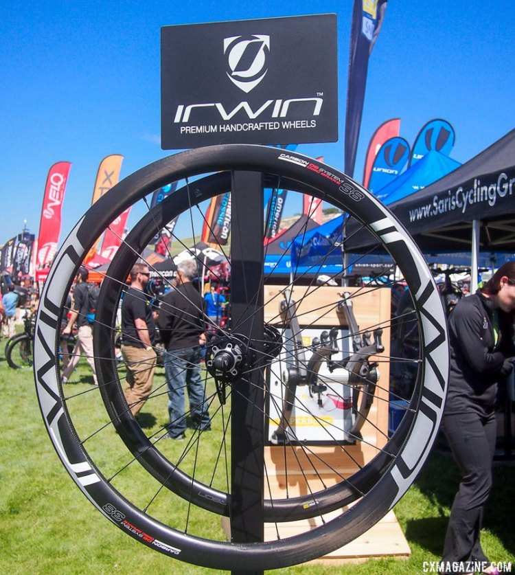 The Aon DX 38 is a tubeless ready clincher wheel, but there is also a tubular version available as well. 2017 Sea Otter Classic. © G. Kato / Cyclocross Magazine