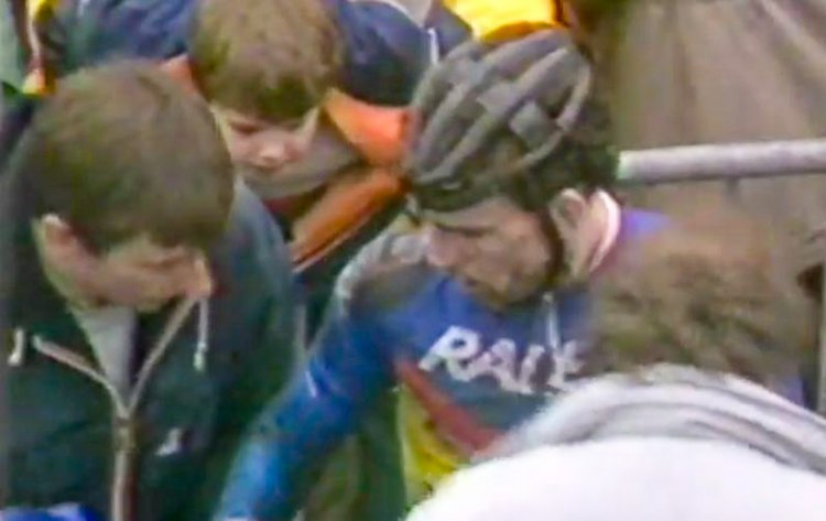 Paur Sherwin attending to Steve Douce after the race. 198 British Cyclocross National Championships - Sutton Park