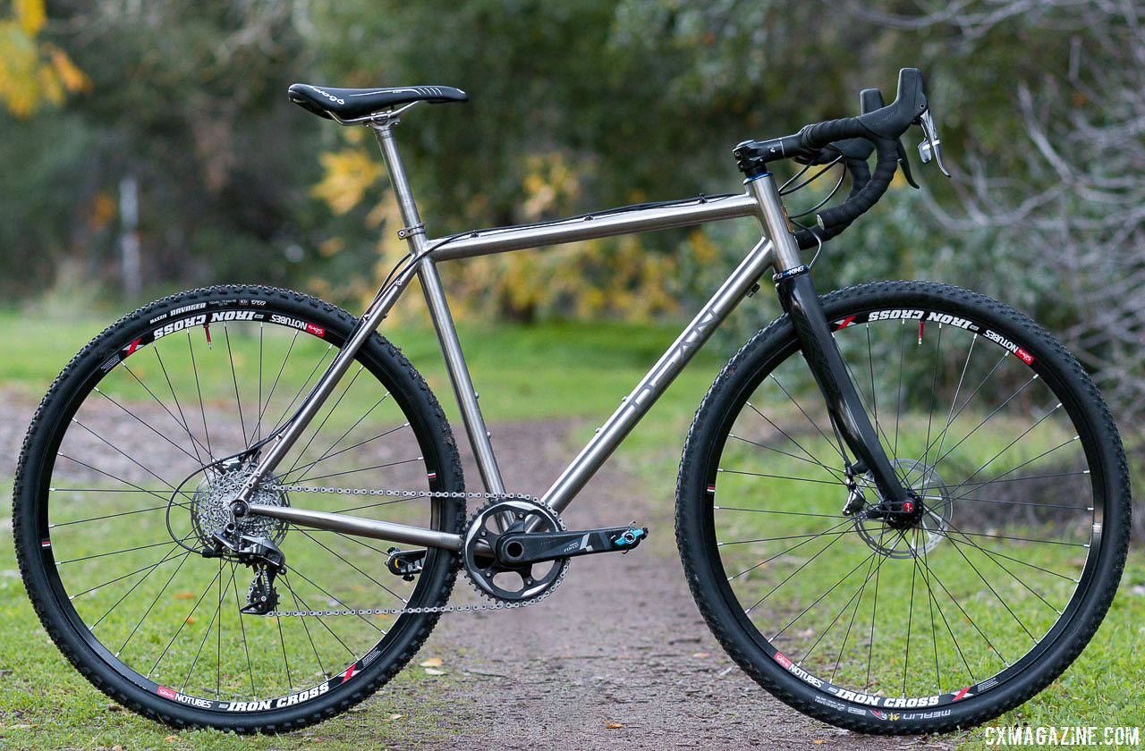 Reviewed: Dean Bikes\' Antero Titanium Cyclocross Frame