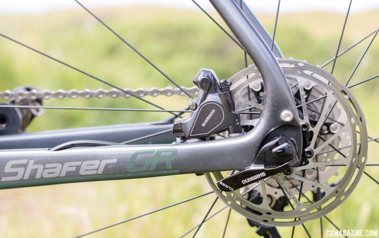 Fezzari's Shafer gravel bike adopts flat-mount brakes and internal routing. © Cyclocross Magazine