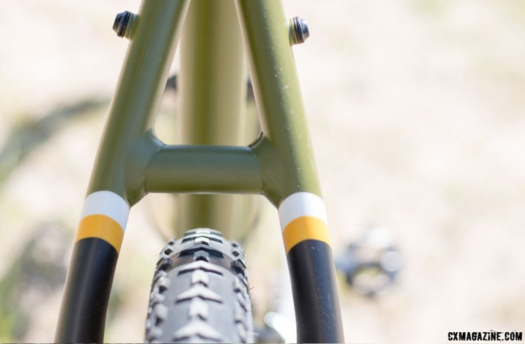 The Spark offers plenty of tire clearance, shown with a 700x40c tire fitted. © Cyclocross Magazine