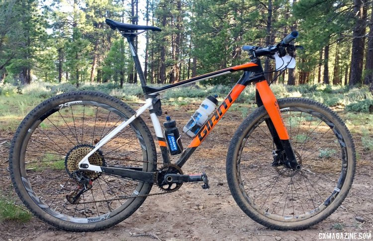 Carl Decker's 2017 Lost and Found 100-winning rigid XTC 29er with Whisky rigid fork.