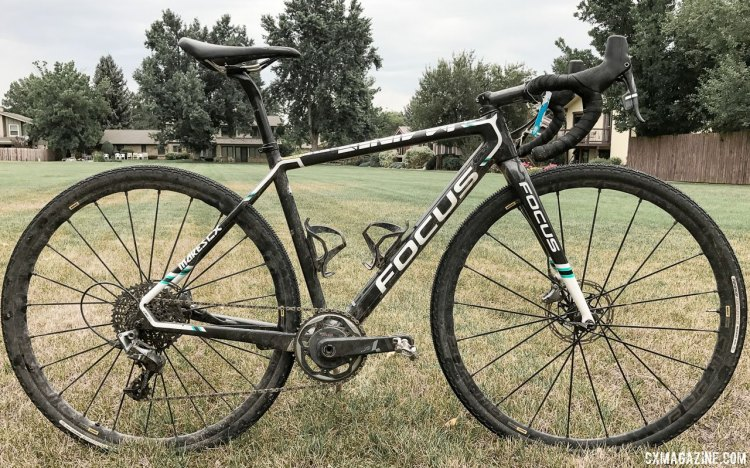 Janel Holcomb's 2017 Crusher-winning Focus Mares cyclocross bike looks ready for a cyclocross race.