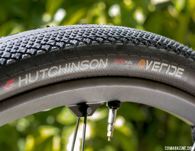 The Hutchinson Overide tubeless gravel tire cuts its side knobs in half for a consistent, raised edge for cornering bite. © Cyclocross Magazine