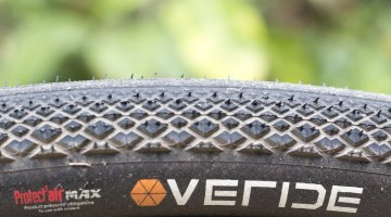 The Hutchinson Overide tubeless gravel tire comes in two widths: 38 and 35mm, but both share the same tread pattern, with increasing knob size and heights towards the shoulder, for cornering bite. © Cyclocross Magazine