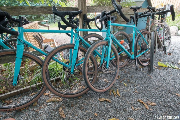 2018 Kona Rove launch ride featured a mix of Rove LTD and Rove NRB DL 650b bikes. © Cyclocross Magazine