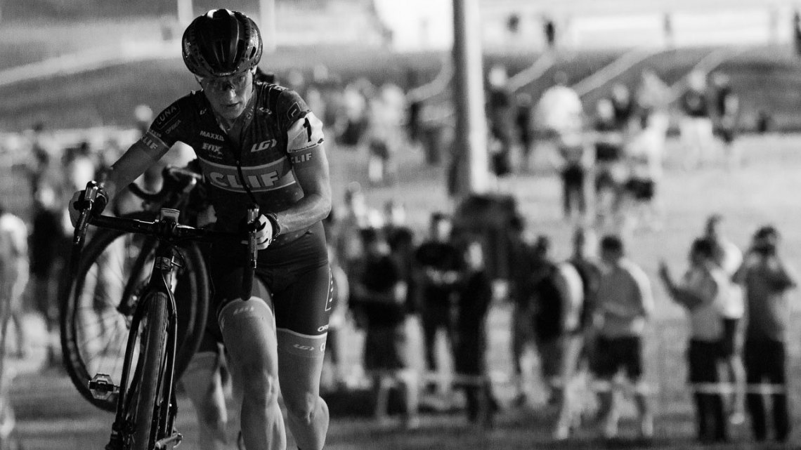 Katerina Nash (Clif Bar) runs away to a fifth CrossVegas title. 2017 CrossVegas, Elite Women. © A. Yee / Cyclocross Magazine