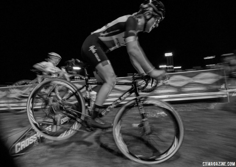 Ellen Noble put on a show again by hopping the barriers. 2017 CrossVegas, Elite Women. © A. Yee / Cyclocross Magazine
