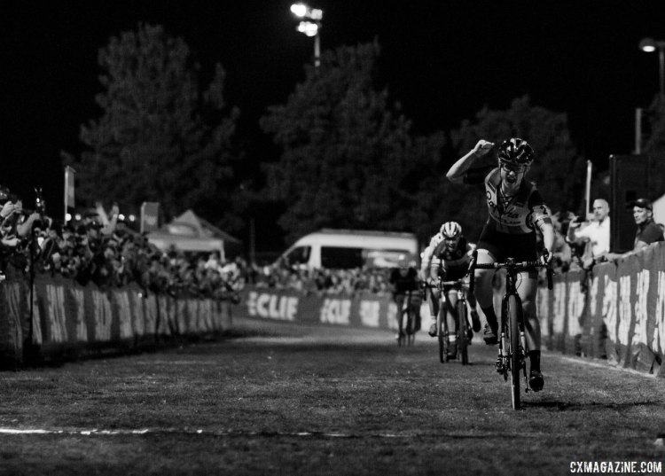Ellen Noble (Aspire) celebrates her third-place finish. 2017 CrossVegas, Elite Women. © A. Yee / Cyclocross Magazine