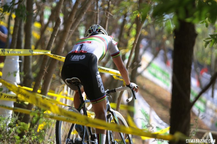 Sanne Cant weaves through the tape on the wooded north end of the course at Trek World Headquarters in Waterloo, Wisconsin. ©D. Mable / cxmagazine.com