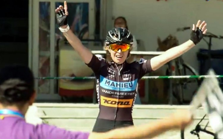 Joyce Vanderbeken makes it 2 for 2 t Yanqing Station. Qiansen Trophy Cyclocross Race #2.