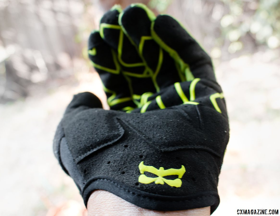 Kali Protectives Venture Gloves offer a bit of padding to take the edge off and convince you you're a few lower psi, without cornering squirm. © Cyclocross Magazine