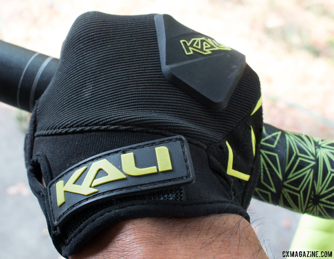 Kali Protectives Venture Gloves offer protection against crashes, course stakes, and a bit of an autumn chill. © Cyclocross Magazine
