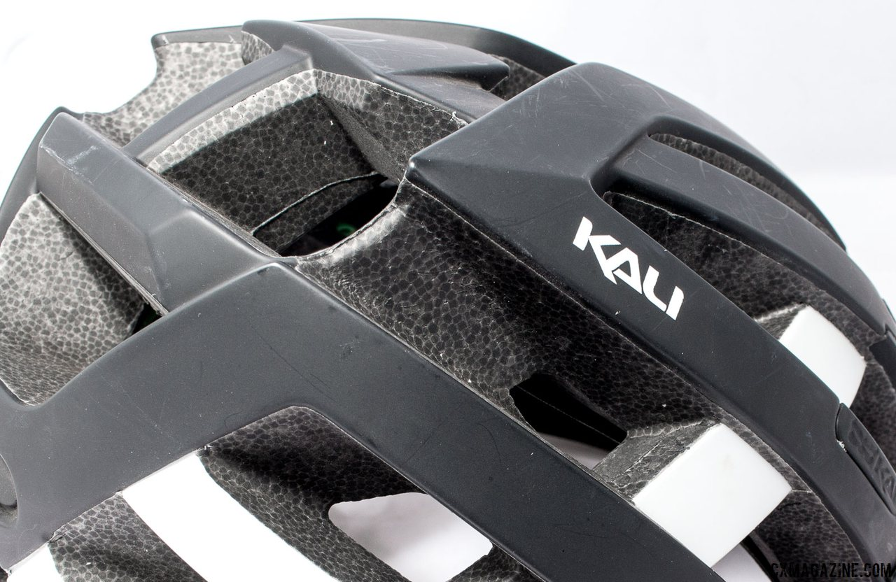 Kali Protectives Interceptor helmet utilizes the company's latest technology, Nano Fusion, that relies on both multiple densities of EPS foam with self-healing acrylic and carbon nanotubes to absorb and dissipate energy. Does it work? Thankfully we haven't found out yet. © Cyclocross Magazine