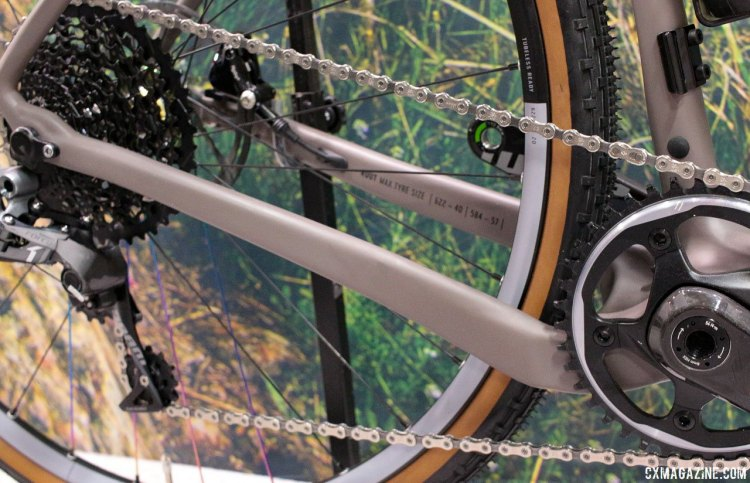The Rondo Ruut CF1 carbon gravel bike takes a design queue from Open Cycles' U.P. with asymmetrical chainstays, with the right side dropped for chainring clearance. Interbike 2017 © Cyclocross Magazine