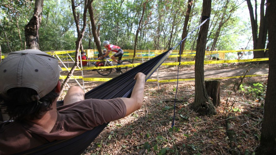 This fan found a unique, relaxing way to watch the racing. 2017 World Cup Waterloo Legends Race. © D. Mable / Cyclocross Magazine