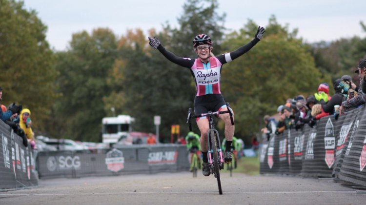 Ellen Noble wins Day 2 of 2017 Cincinnati Cyclocross.
