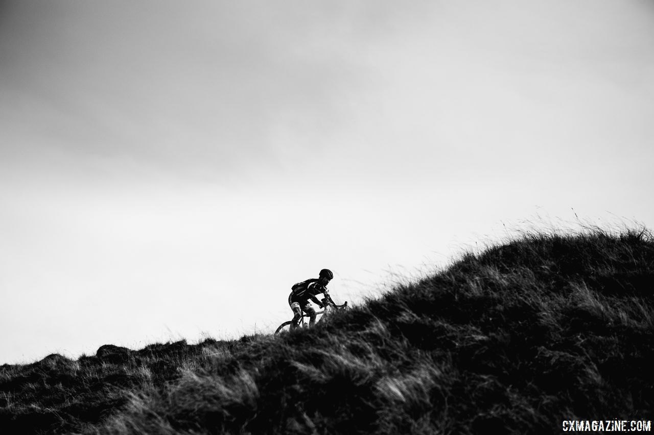 A rider spends some time solo. 2017 Three Peaks Cyclocross. © D. Monaghan / Cyclocross Magazine