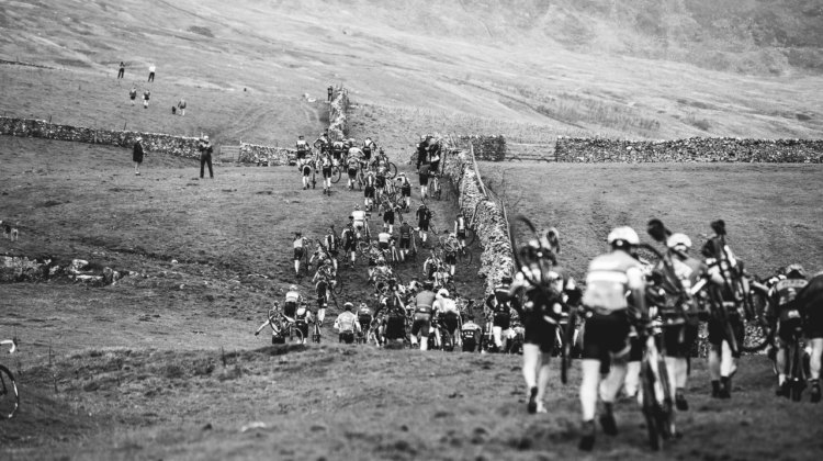 The first climb up Simon Fell leads to Ingleborough. 2017 Three Peaks Cyclocross. © D. Monaghan / Cyclocross Magazine