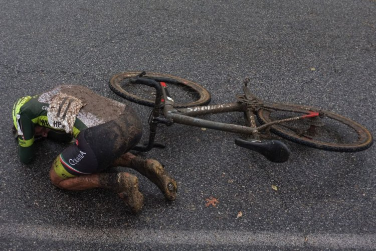 Stacey Barbossa shows the effects of Sunday's mudder at HPCX Day 2. photo: Sean Runnette