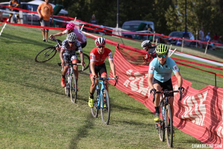 Allen Krughoff led early on on Saturday. Anthony Clark wins 2017 WSCXGP Day 1. © V. Sama / Cyclocross Magazine