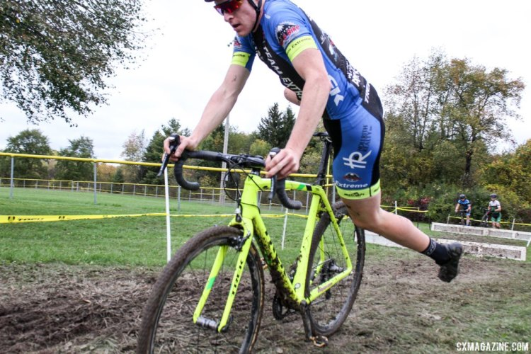 Ben Senkerik flew to a third-place finish on Sunday. 2017 Fitcherona Cross Omnium - McGaw Park. © Z. Schuster / Cyclocross Magazine