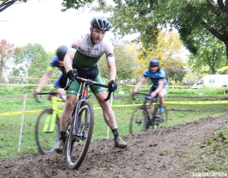 Joel Finkeldei leaves his competitors as a blur. 2017 Fitcherona Cross Omnium - McGaw Park. © Z. Schuster / Cyclocross Magazine