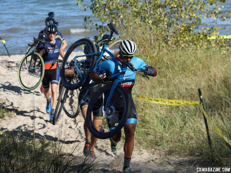The race provided an opportunity to go to the beach. 2017 Flyover Silver Creek. © Z. Schuster / Cyclocross Magazine