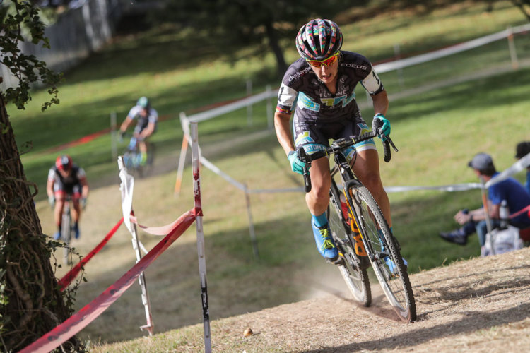 Arley Kemmerer leads Jen Malik late in the race. Elite Women, 2017 DCCX Day 1. © Bruce Buckley