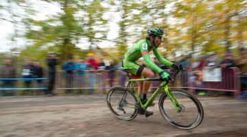 Curtis White used old school form in conditions in classic cyclocross conditions, stepping through to a top ten finish. 2017 Cincinnati Cyclocross, Day 1. © Cyclocross Magazine