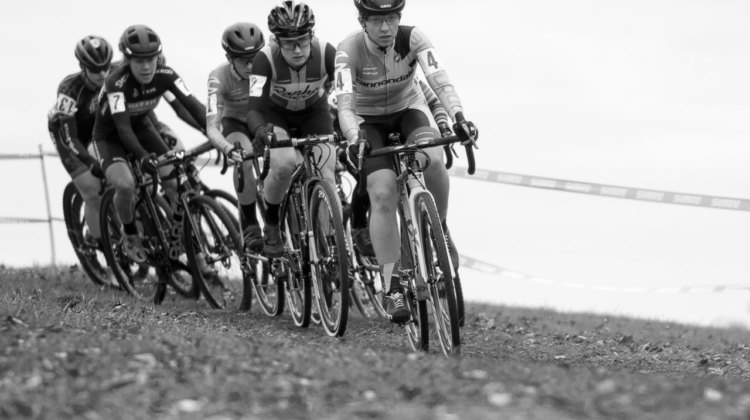 Emma White leads a group early in Sunday's Cincinnati US Cup-CX race. Elite Women, 2017 Cincinnati Cyclocross, Day 2, Harbin Park. © Cyclocross Magazine