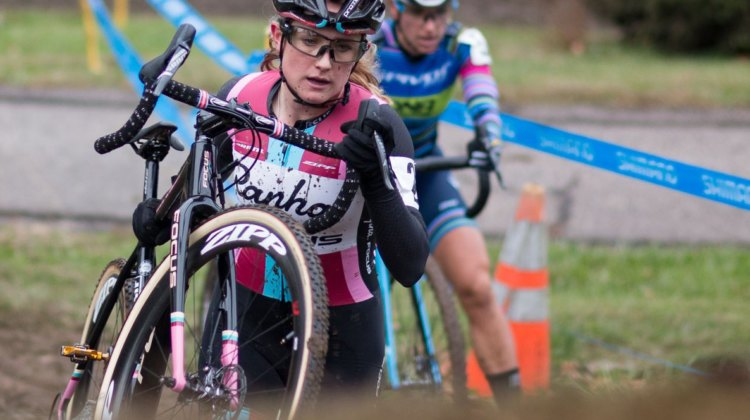 Ellen Noble leads Courtenay McFadden. Elite Women, 2017 Cincinnati Cyclocross, Day 1. © Cyclocross Magazine