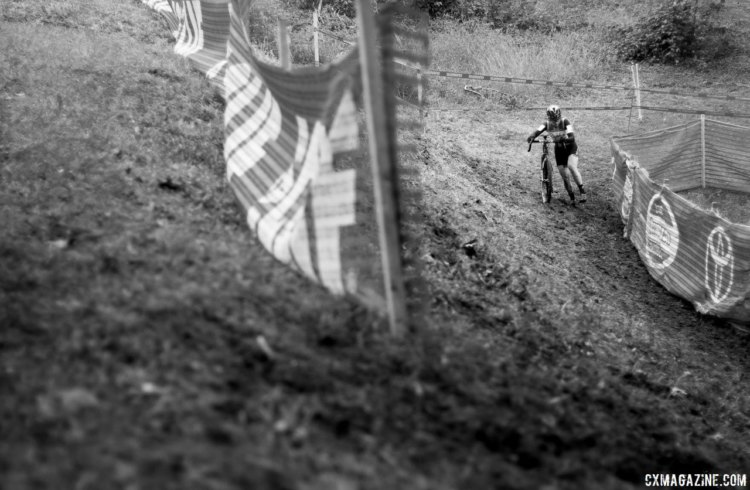 Ellen Noble grabbed the holeshot and stretched it out to an impressive early lead. Elite Women, 2017 Cincinnati Cyclocross, Day 1. © Cyclocross Magazine