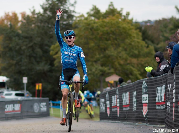 Lane Maher charged up the final climb to make it four UCI wins in a row. Junior Men, 2017 Cincinnati Cyclocross, Day 2, Harbin Park. © Cyclocross Magazine