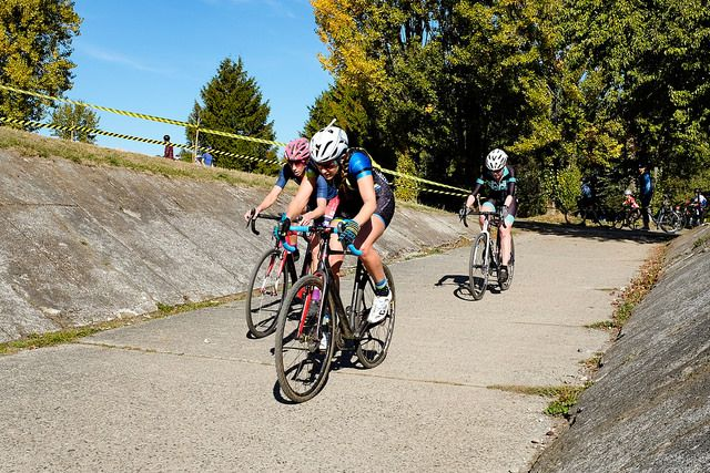 Monica Lloyd, Gina Estep and Stephanie Taplin were the podium in the Women's race. MFG Cyclocross #4. photo: G. Crofoot