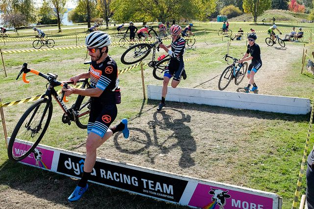 Spencer Paxson, Stephen Ettinger and Steve FIsher battled all race long. MFG Cyclocross #4. photo: G. Crofoot
