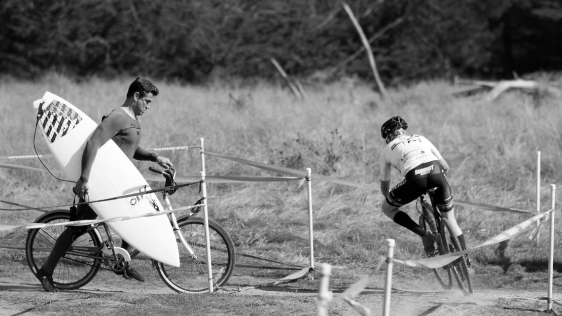 2016 Rock Lobster Cup had some unique two-wheel traffic at course crossings, and the 2017 event isn't much further from the Pacific. © Cyclocross Magazine