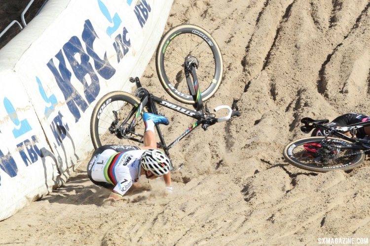 Sanne Cant (Beobank-Corendon) had to overcome an early crash before finishing second. 2017 Superprestige Zonhoven. © B. Hazen / Cyclocross Magazine