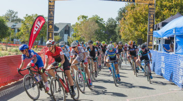 Elite women are off for WSCXGP Day 2. photo: Peloton Sports