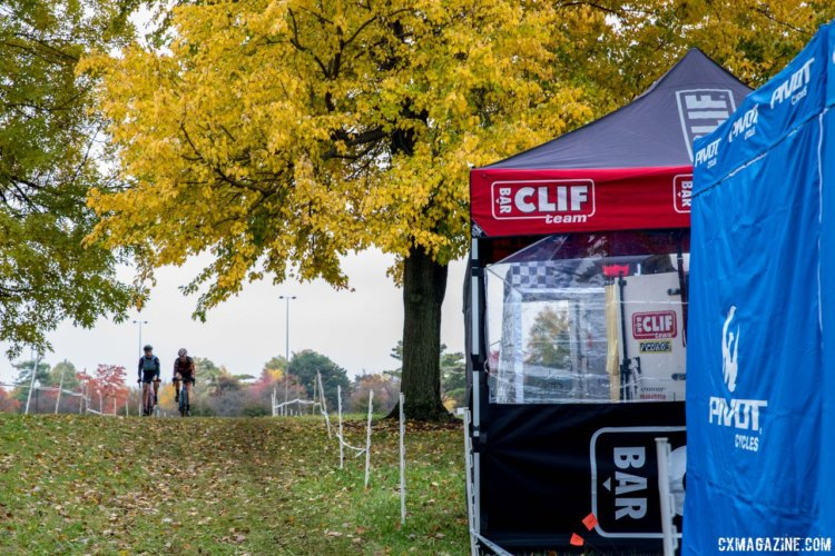 The opening part of the lap is open, going around the tennis courts and through the team tent area. 2017 Derby City Cup. © D. Perker / Cyclocross Magazine