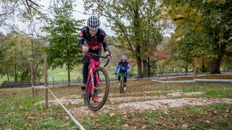 Tristan Cowie uses english to ride the limestone stairs. 2017 Derby City Cup. © D. Perker / Cyclocross Magazine