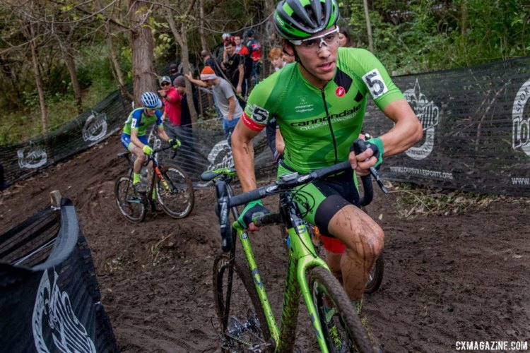 Curtis White had a tough fight to get up near the top five. 2017 Derby City Cup. © D. Perker / Cyclocross Magazine