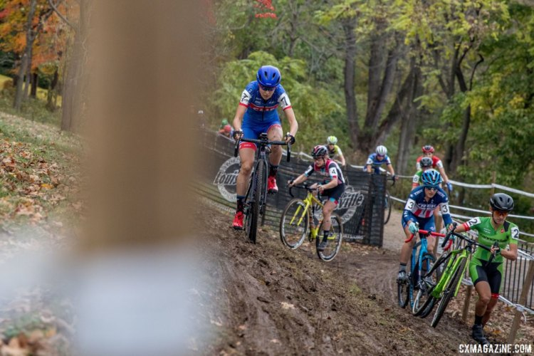 Maghalie Rochette goes high on the off-camber while leading in the first lap. 2017 Derby City Cup. © D. Perker / Cyclocross Magazine