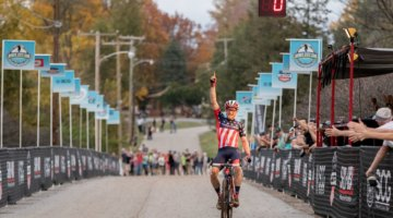 Stephen Hyde wins the 2017 Pan-American Championships. © D. Perker / Cyclocross Magazine