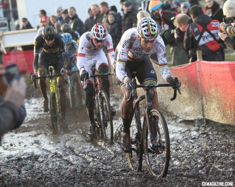 Early on, Wout van Aert and Mathieu van der Poel got to the head of the race. Elite Men, 2017 Zeven UCI Cyclocross World Cup. © B. Hazen / Cyclocross Magazine