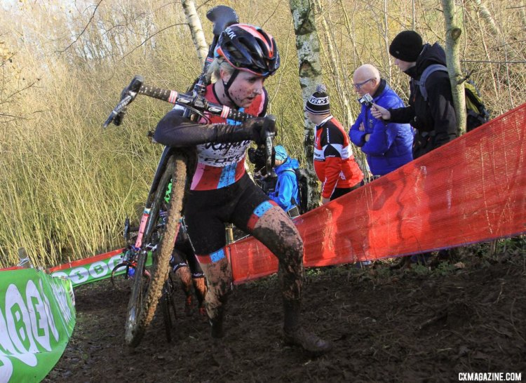 Ellen Noble had a strong start, running in the top five during the first two laps. 2017 Zeven UCI Cyclocross World Cup. © B. Hazen / Cyclocross Magazine