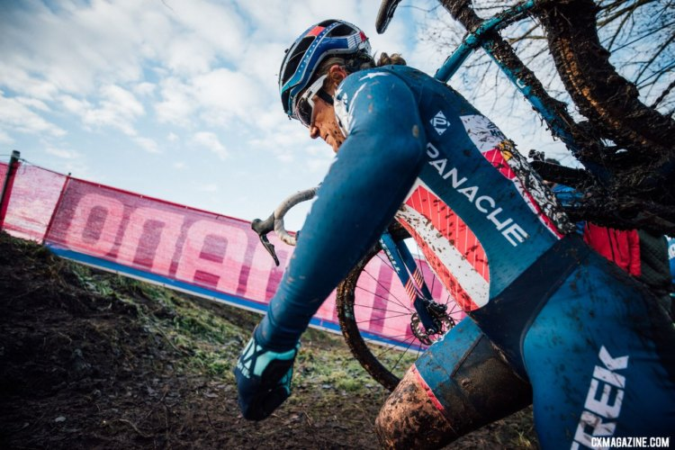 Katie Compton was inches away from clearing a hill and staying on Cant's wheel but still finished on the podium in third. Elite Women, 2017 Zeven UCI Cyclocross World Cup. © J. Curtes / Cyclocross Magazine