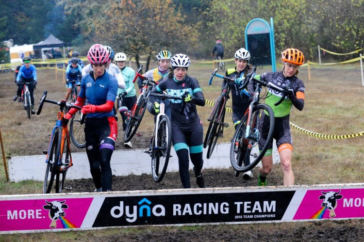 Elite Women hit the barriers. 2017 MFG Cyclocross #5. photo: courtesy