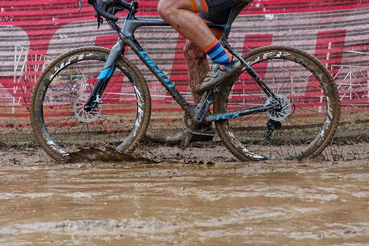Last year's race brought a lot of mud that had to be dealt with post-race. 2017 Derby City Cup. © D. Perker / Cyclocross Magazine